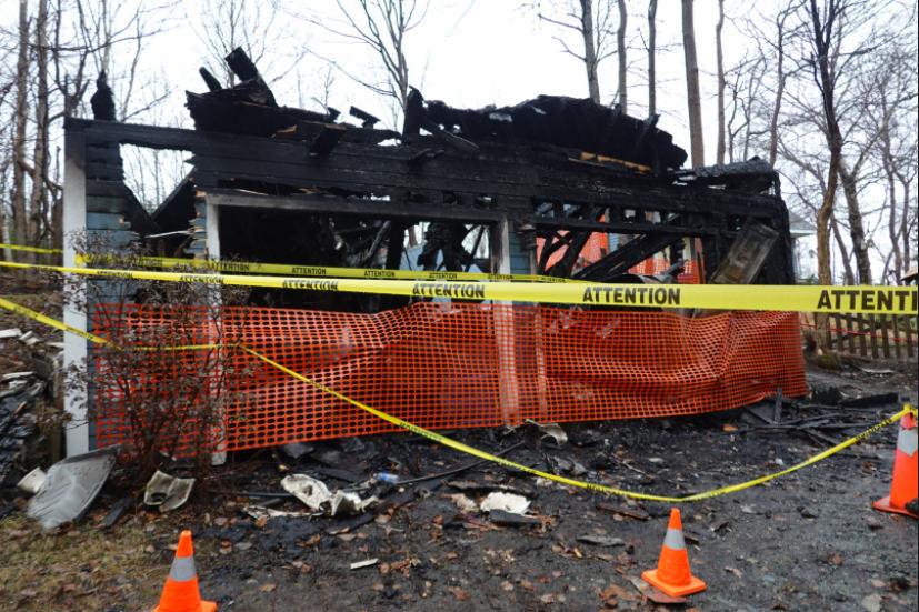 Garage fire in Lake Echo, N.S.