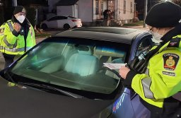 Continue reading: Cobourg, Ont., police remind drivers to 'lock it or lose it'