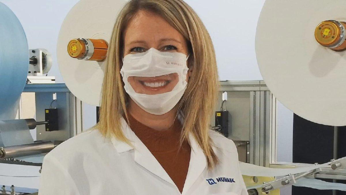 Geneviève Hardy of Entreprise Prémont shows off the Humask-Pro Vision mask. Wednesday, Dec. 9, 2020.