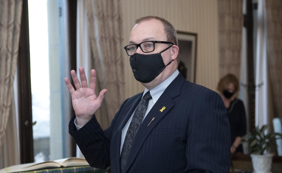 Ric McIver is sworn in as Alberta's minister of Municipal Affairs on Tuesday, Jan. 5, 2021.