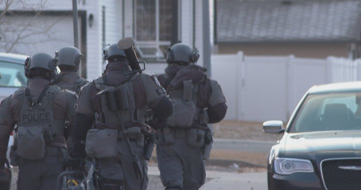 Lethbridge police peacefully resolve critical incident after hours of heavy officer presence