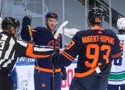 Continue reading: Connor McDavid's hat trick leads Edmonton Oilers past Canucks