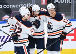 Continue reading: Edmonton Oilers open road trip with win over Leafs in Toronto