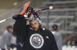 Continue reading: Edmonton Oilers goalie Mike Smith on long-term injured reserve