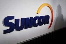 Continue reading: Worker missing after dozer breaks through ice at Suncor Base Plant in northern Alberta