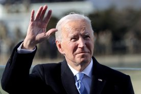 Play video: White House says Biden to call Trudeau, expected to discuss Keystone XL pipeline