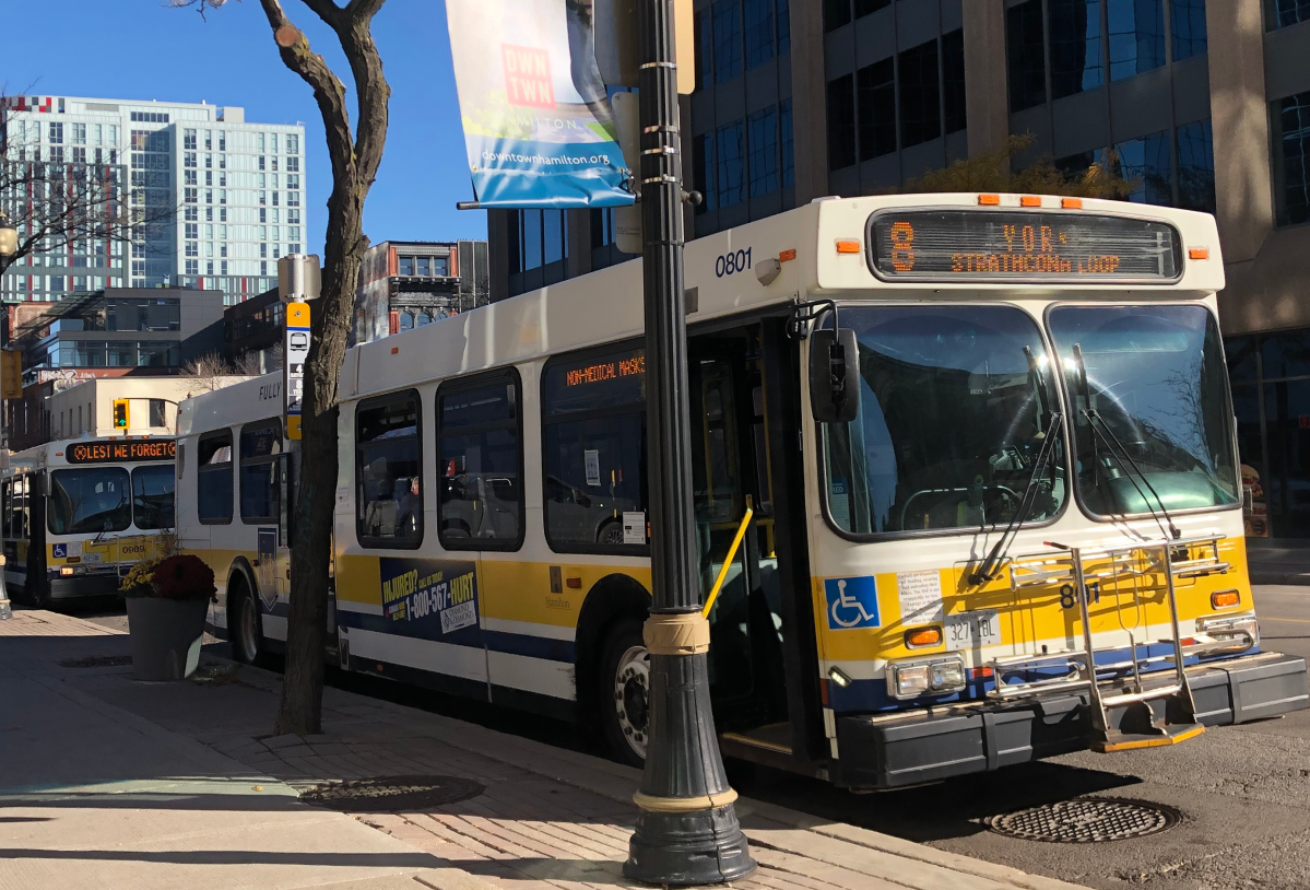 A Winnipeg-based bus manufacturer has inked a deal to build dozens of electric buses for a county in New York.