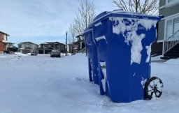 Continue reading: City of Regina replacing garbage, recycling bins lost in windstorm at no charge