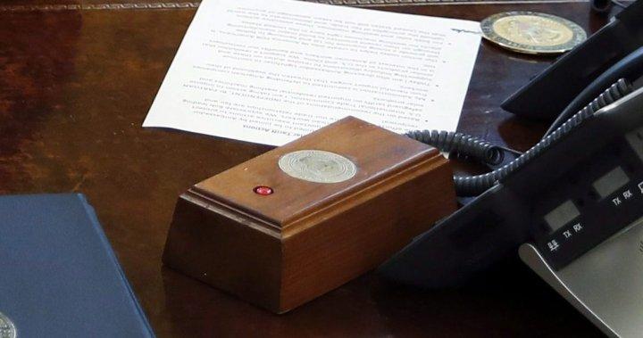 Biden removes Trump's Diet Coke button as part of Oval Office overhaul -  National | Globalnews.ca