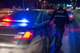 Continue reading: 2 Edmonton police officers injured after vehicle flees during arrest, 1 charged