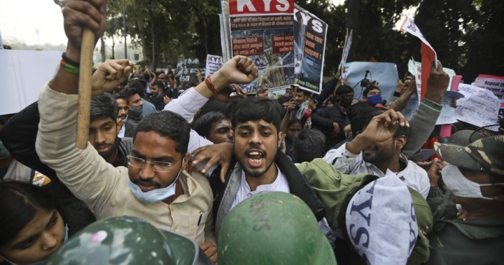 Indian farmers plan to block highways across country for hours in next protest move