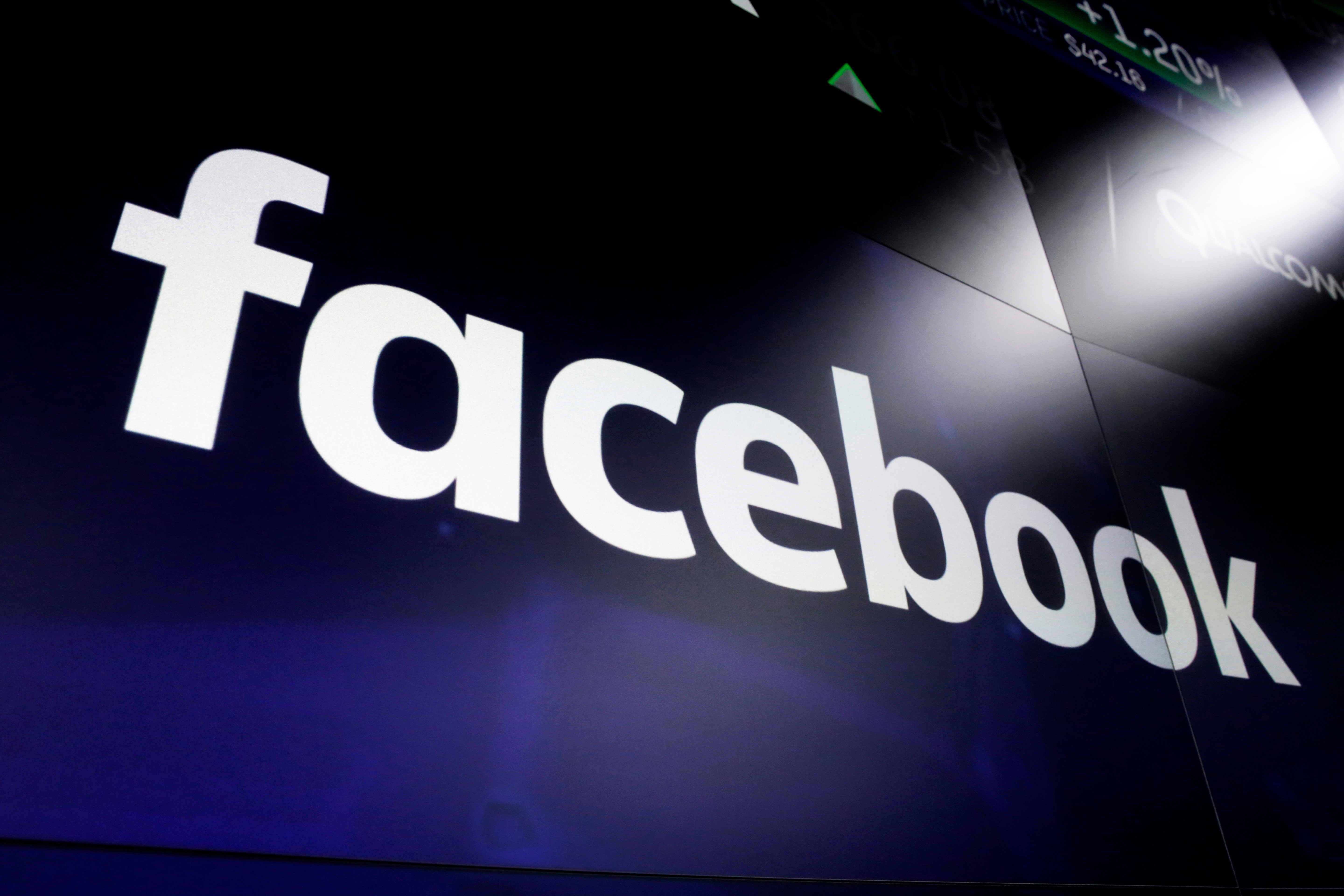 Facebook signs deals to pay 3 Australian news publishers