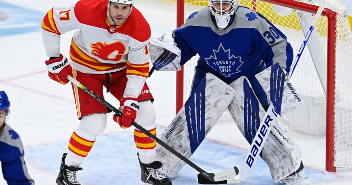 'Misunderstood' Nylander ties game late, scores winner as Leafs beat Calgary Flames 2-1 in OT