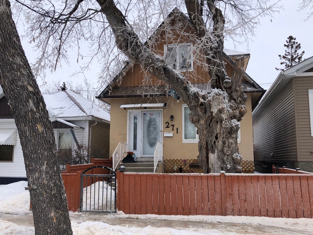 At 8:32 p.m. on February 27, 2021, the Winnipeg Fire Paramedic Service (WFPS) responded to reports of a fire in a single-storey house in the 200 block of Semple Avenue.