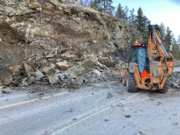 Continue reading: Pelmewash Parkway in Lake Country opens after rockslide