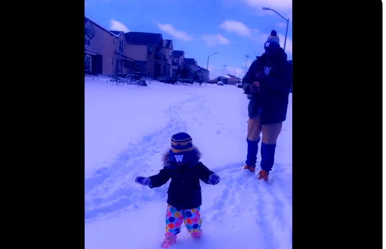 Winnipeg Blue Bomber Willie Jefferson and his family are using their Canadian experience to help them through a snowstorm at home in Texas.