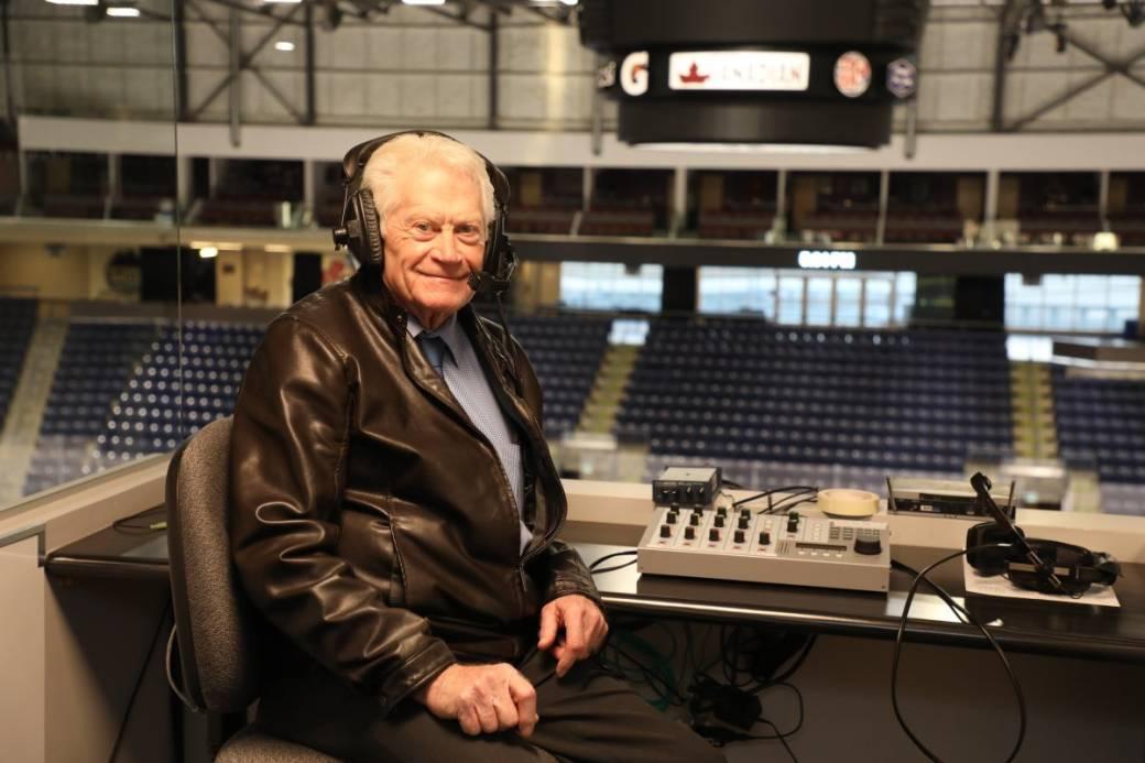 Legendary WHL broadcaster Bob Ridley hits 4,000 game mark - image