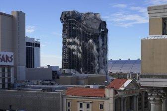 trump plaza implosion e1613573121987