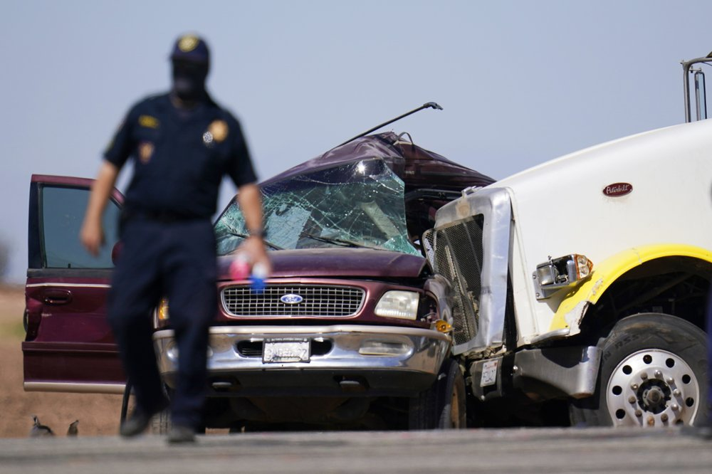 Officials probe human smuggling link to Southern California crash that killed 13