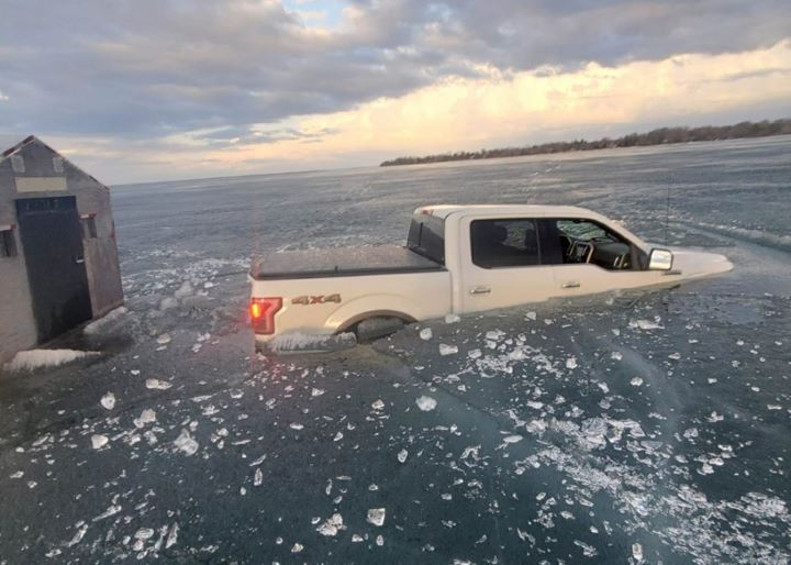Police caution of unsafe ice conditions on Lake Simcoe after 7 people rescued - image