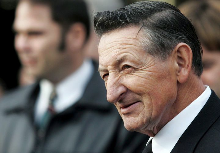 Walter Gretzky, father of hockey legend Wayne Gretzky, dies at 82