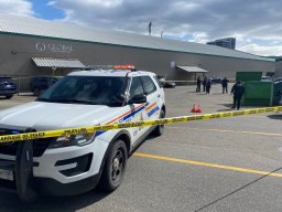 Continue reading: Kelowna RCMP seeking witnesses, dashcam of brazen daytime shooting or abandoned, torched vehicle