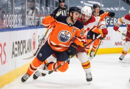 Continue reading: Uncertainty looms for Edmonton Oilers as Vancouver Canucks slammed by COVID-19