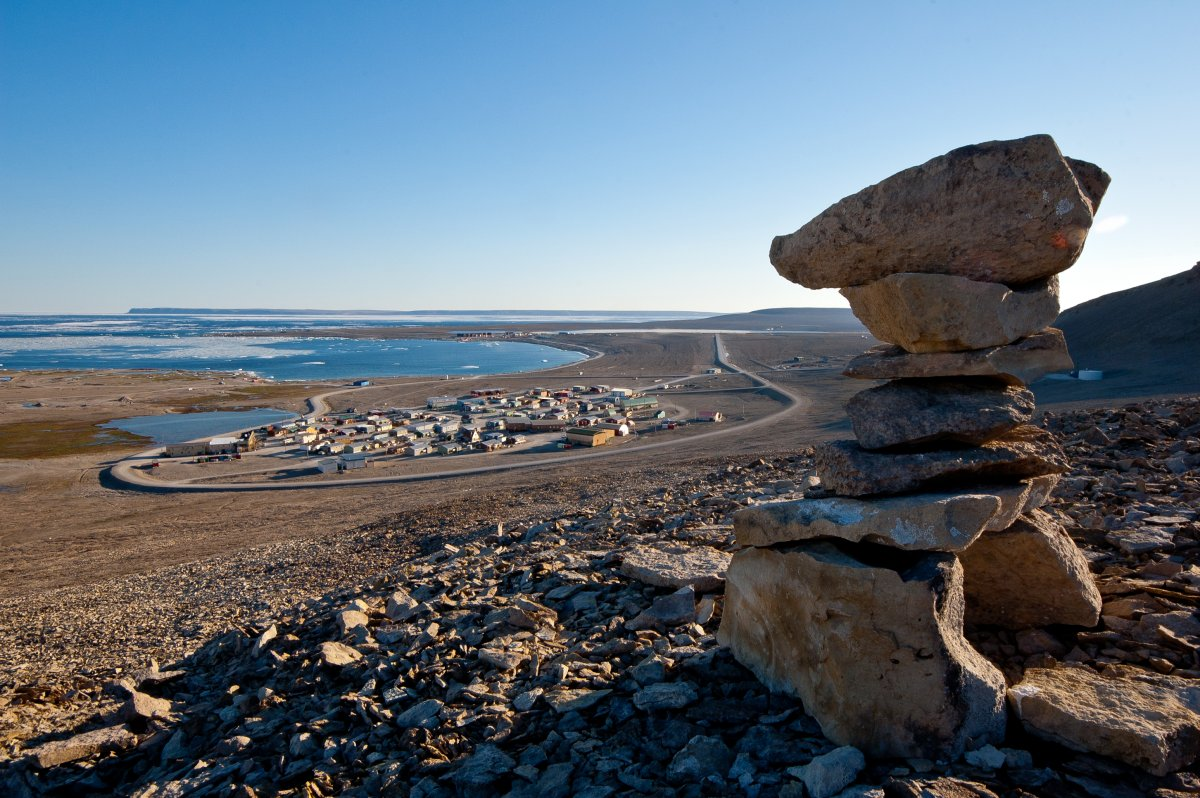 3 people dead after helicopter crash in Nunavut, RCMP says - image