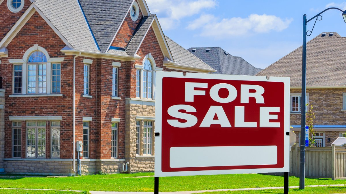 Looking for your first home? 5 steps to take before you buy, according to a mortgage broker - image