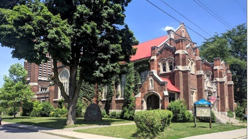 Heritage advocates want Hamilton's former St. Giles United Church saved, while owner envisions new affordable housing on the east end site.