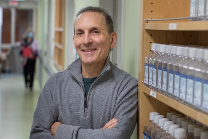 Dr. Daniel Drucker is the  sole Canadian winner of  the 2021  Canada Gairdner International Award .