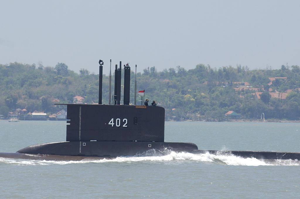 Indonesia navy loses contact with submarine and its crew of 53