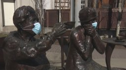 Continue reading: COVID-19: Famous 5 Foundation puts masks on statues in support of public health in Calgary