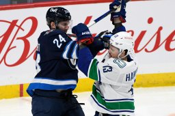 Continue reading: Winnipeg Jets continue to struggle with 3-1 loss to Canucks