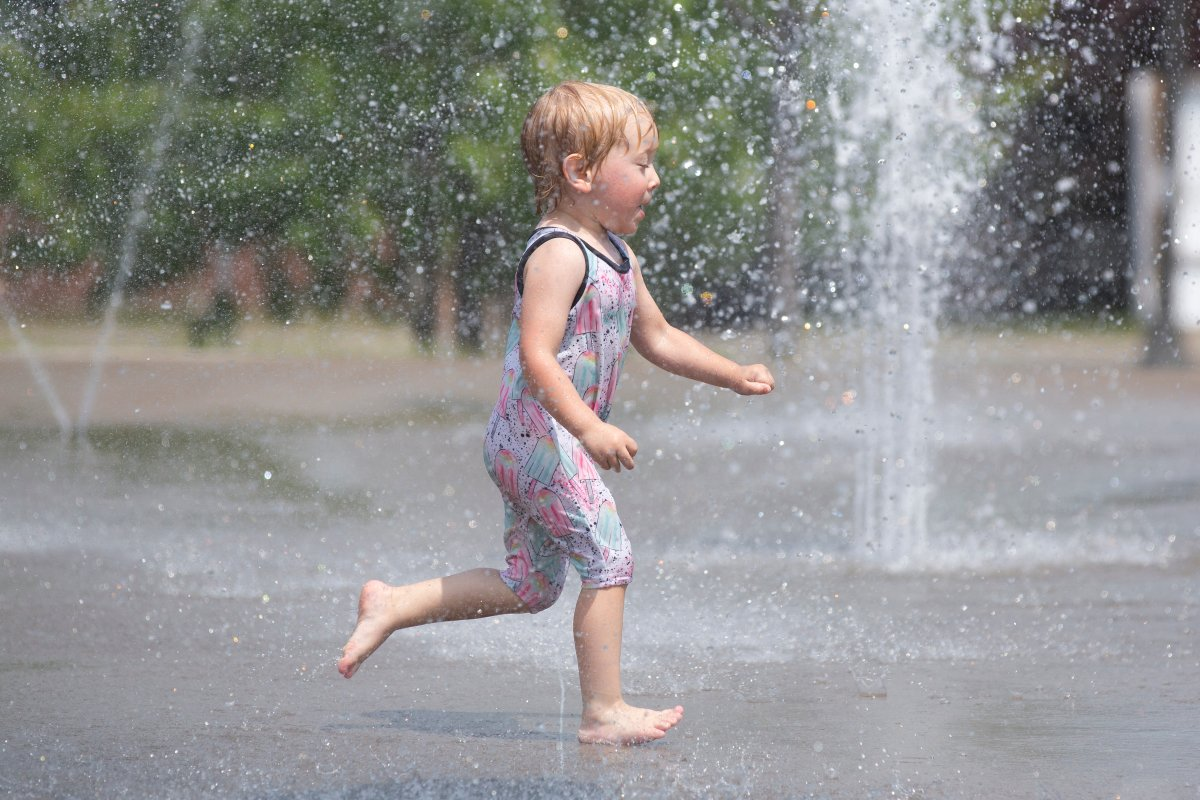 With a hot and humid forecast Monday, Environment Canada has issued a special weather statement for the heat.