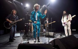 Continue reading: The Tragically Hip to reunite for performance with Feist at 2021 Junos