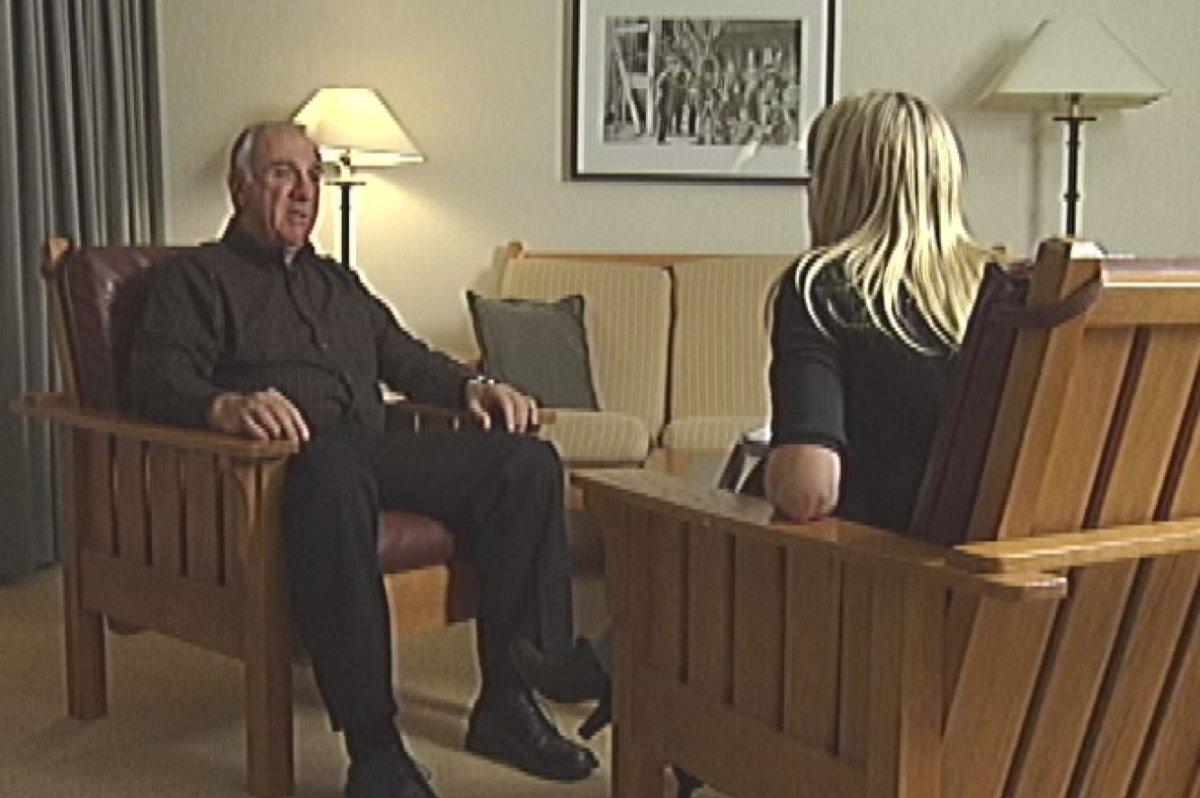 Former RCMP officer John Hudak sat down with Global News crime reporter Nancy Hixt for an interview in Calgary in November 2007.