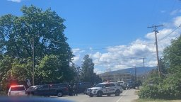 Continue reading: Man in custody after woman unlawfully confined, prompting police standoff in Kelowna, B.C.