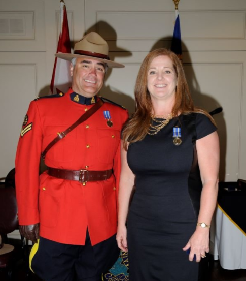 Off-duty RCMP officer and retired cop together rescue fisherman from capsized boat - image