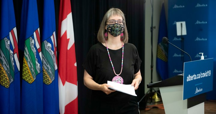 Hinshaw says data that justified changing Alberta's COVID-19 protocols still not public