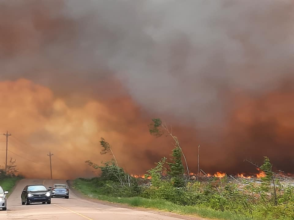 A large forest fire began burning Thursday afternoon in the Saint-Paul and Sainte-Marie area of New Brunswick.