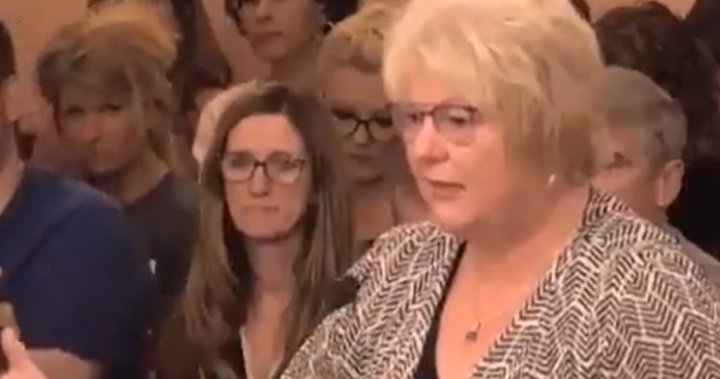 Anti-vax doctor mocked for claiming that shots will 'magnetize' people - National thumbnail