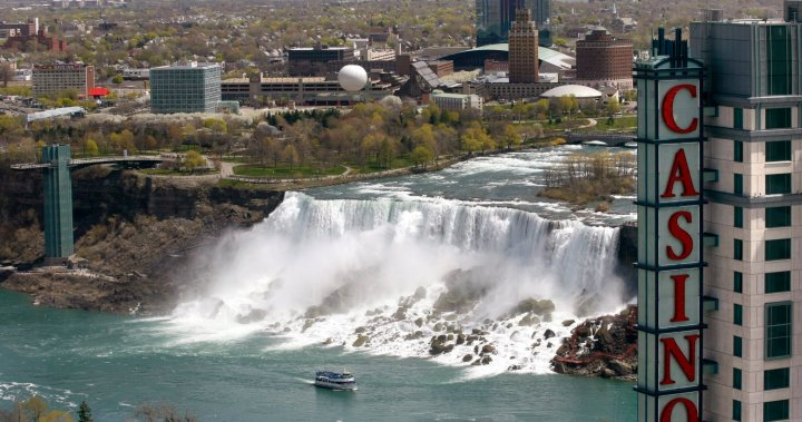 Casinos in Niagara Falls reopen to public with safety measures – Hamilton | Globalnews.ca