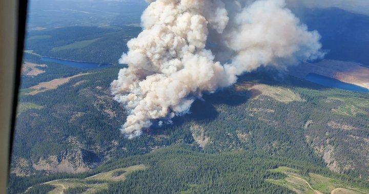 Residents flee overnight as wildfire grows off Okanagan Connector