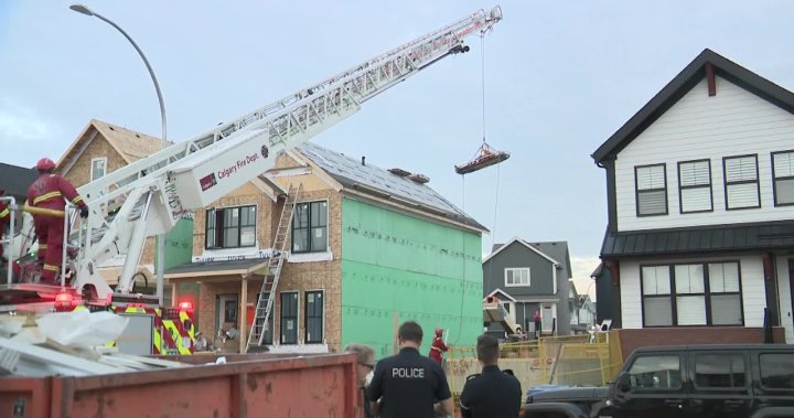 Roofer injured after falling into adjacent basement at southeast Calgary construction site – Calgary