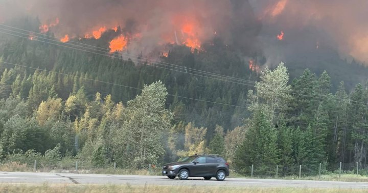 B.C. government won't issue orders to ban travel to wildfire-affected areas
