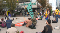 Continue reading: One arrested after Vancouver climate protest shuts down intersection