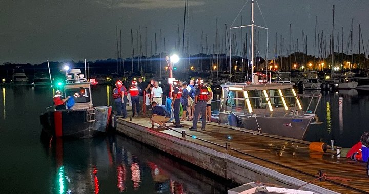 Crews search for missing boater in Lake Ontario near Oakville