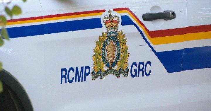 1 dead in 4-vehicle collision on Trans-Canada Highway near Golden