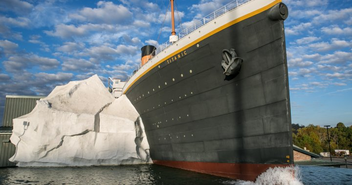 3 injured after 'iceberg' at Titanic museum collapses